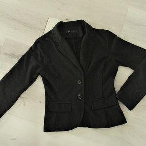 Casual black blazer from Forever 21